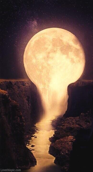 22591-Dripping-Moon.jpg